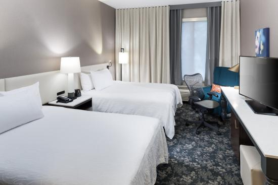 Hilton Garden Inn Sacramento/South Natomas: Double Queens, Soft Seating