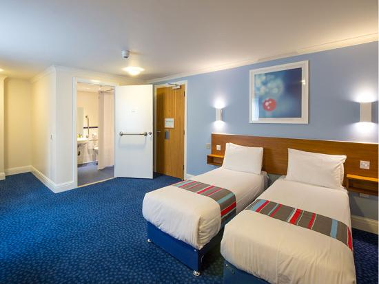 Fontwell, UK: Travelodge Twin Room Accessible