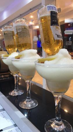Benito Juarez : Margaritas Coronadas