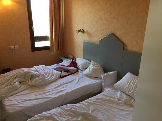 Vierzon, Francia: Chambre 3 personnes, je ne pensais pas tomber là dessus...