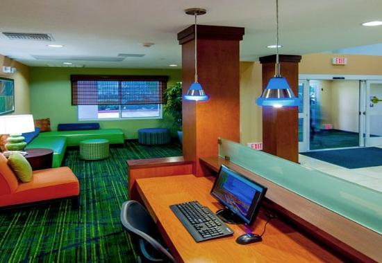 Tulare, Kalifornien: Business Center
