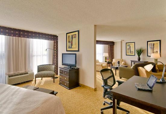 DoubleTree by Hilton Hotel Portland: Executive Suite
