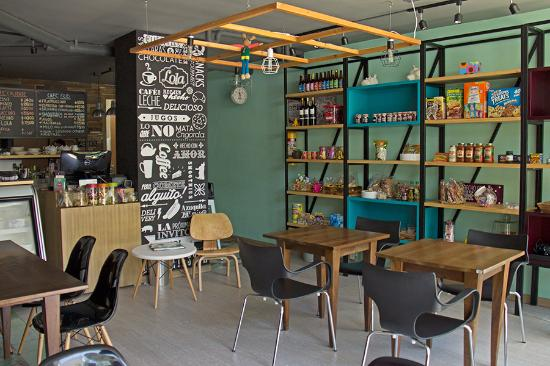 Lola pereira fotos n mero de tel fono y restaurante for Mini market interior design ideas