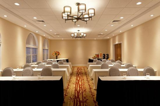 DoubleTree by Hilton Cape Cod - Hyannis: Meeting Room