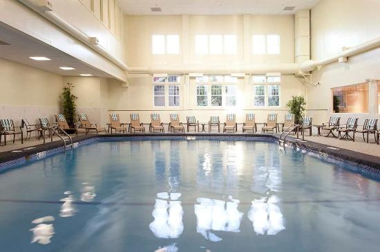 DoubleTree by Hilton Cape Cod - Hyannis: Indoor Pool