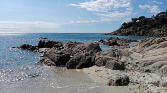 Plage de l 39 escalet picture of escalet beach ramatuelle tripadvisor - Plage de saint tropez ...