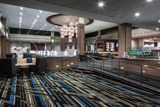 Ньюарк, Калифорния: Lobby to Bistro 880