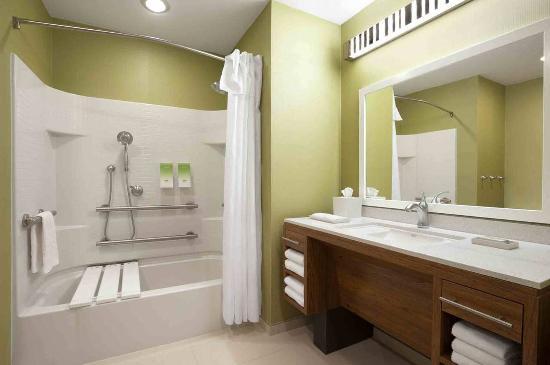 Southaven, MS: Accessible King Studio Suite