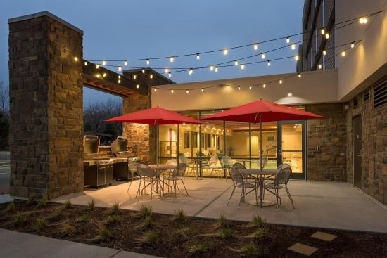 South Jordan, UT: Patio and BBQ Grill