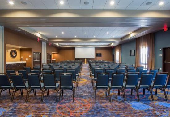 Columbus, MS: Castleberry Meeting Room – Theater Setup