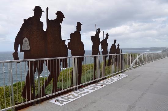 Newcastle, Australia: Memorial Walk