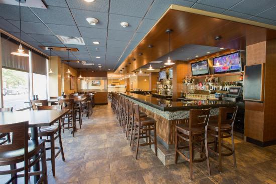 Newark, OH: Elements Bar Area