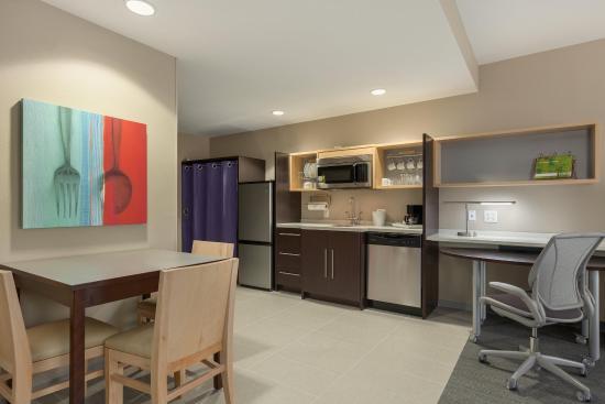 Φλόρενς, Νότια Καρολίνα: 1 King 1 Bed Suite Kitchen