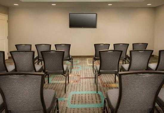 Texarkana, TX: Meeting Room – Theater Setup