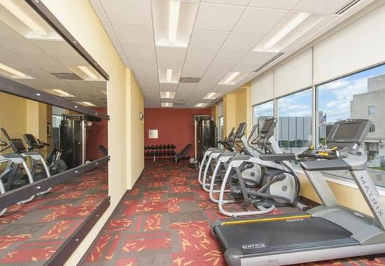 Peoria, IL: Fitnes Center