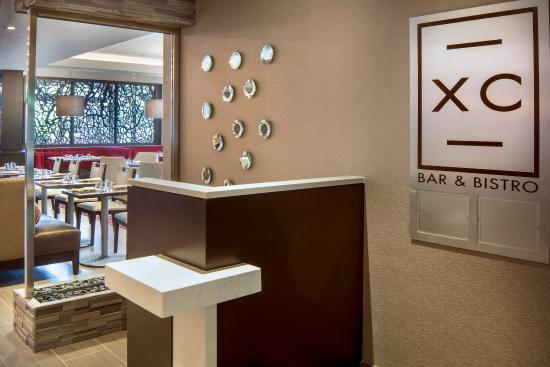 ลาร์โก, แมรี่แลนด์: XC Bar & Bistro Entry