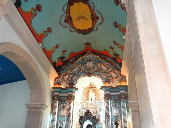 Nossa Senhora das Gracas Church: lindo teto da catedral