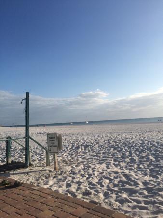 Mariner Beach Club: photo1.jpg