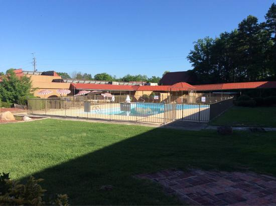 Red Roof Inn Hot Springs : photo1.jpg
