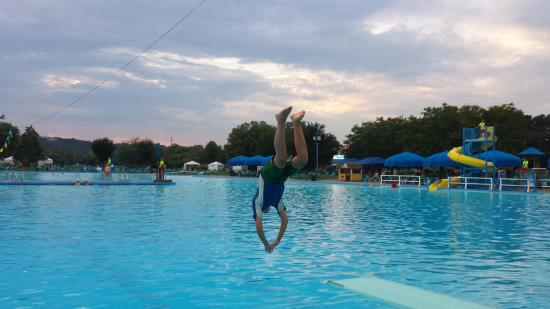 Sunlite pool one of the largest and best outdoor pools in for Biggest outdoor pool