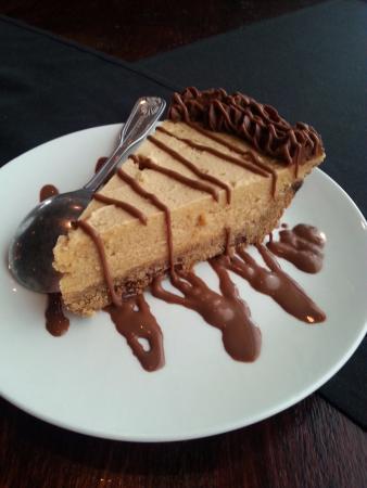 Snug Tavern & Grill: Peanut Butter Pie