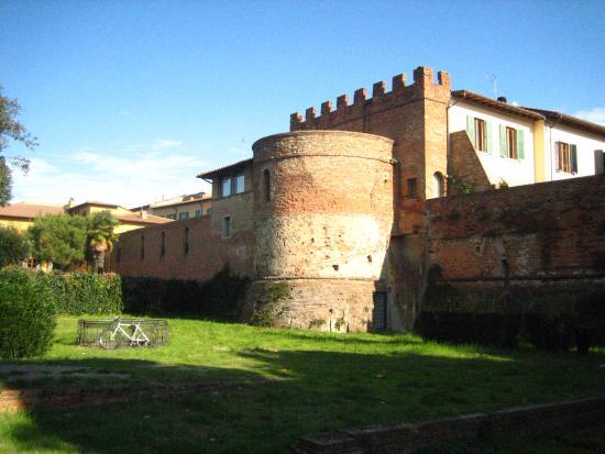 Empoli.Torrione di Santa Brigida, progetto dei Da Sangallo (XV-XVI sec.)
