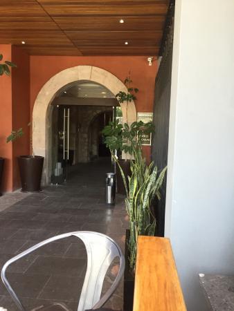 Buen ambiente y decoración: fotografía de Patio Andaluz, Leon ...