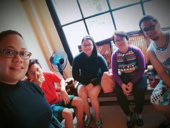 Divine Castle Travelers Inn - Coron: 2016-04-26 21_large.jpg