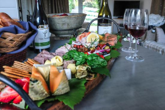 Marlborough Bed & Breakfast: The Amazing Dinner Platter