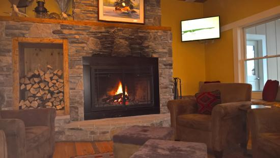 relaxing by the fire pit picture of larsmont cottages on lake rh tripadvisor com larsmont cottages two harbors for sale larsmont cottages two harbors for sale