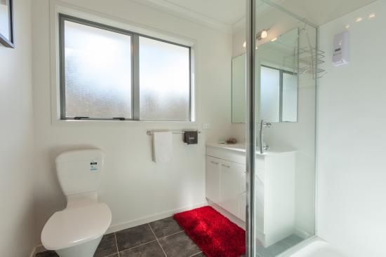 Tokoroa, Nieuw-Zeeland: One Bedroom Bathroom