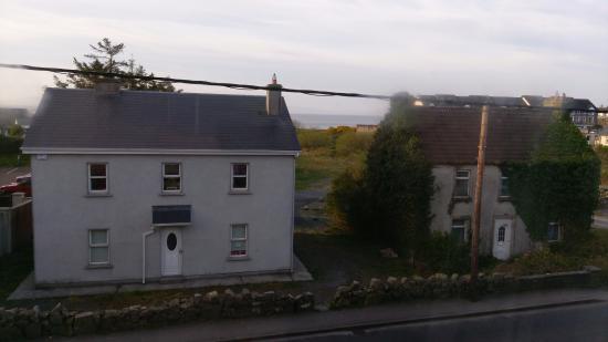 Barna, İrlanda: THERE IS WATER HERE
