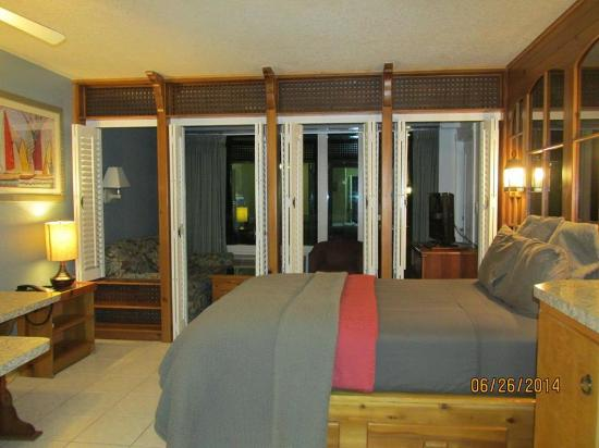 larger unit with regular not murphy bed with fuller kitchen are rh tripadvisor com