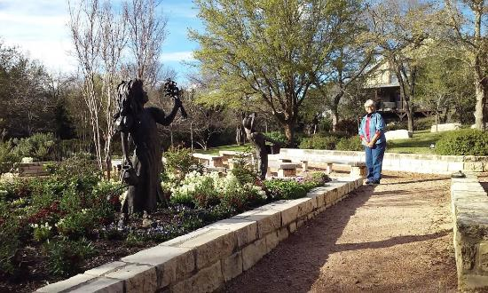 Woodway, TX: There are quaint paths to easy walk around the different areas of the Arboretum.