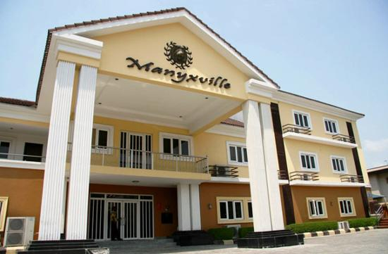 Manyxville Hotel Suites