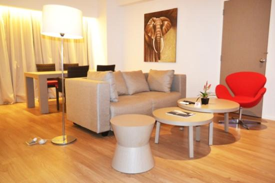 Grand Zuri Dumai : Living Room President Suite