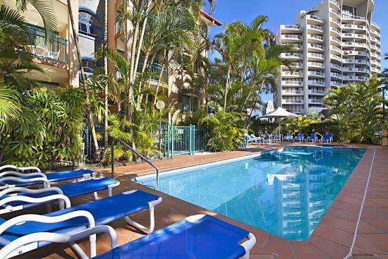 Aruba Surf Resort: Crystal Clear Pool