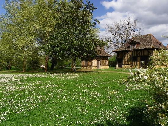 Mussidan, Frankreich: Les Maisons doubleaudes du parc Voulgre