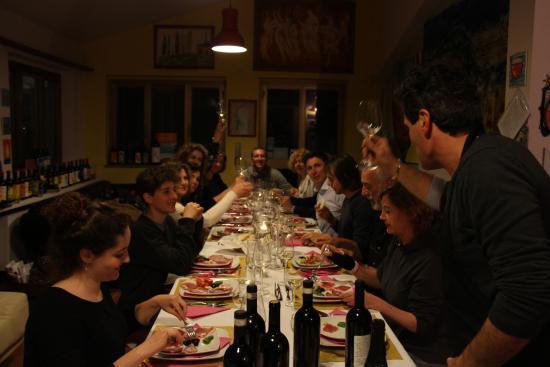 Cheers to a great night at Villa Torre Alberghieri with Rodolfo and Chiantiandart!