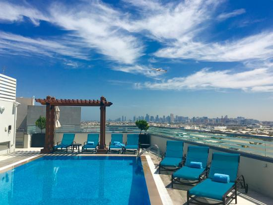 Rooftop pool picture of hilton garden inn dubai al for Garden pool dubai