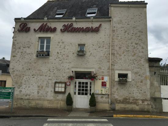 Semblancay, Frankrike: belle batisse au milieu du Village
