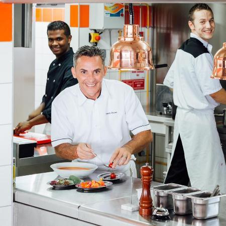 La Saline-les-Bains, Ilhas Reunião: Staff Cuisine autour du Chef Pascal Michel