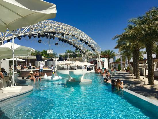 Eden Beach Club Dubai The Party