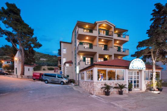 Hotel Fortuna: Room