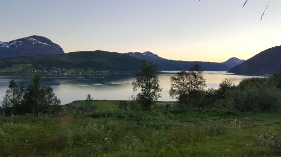 Tennevoll, Norwegen: Aussicht über den Fjord