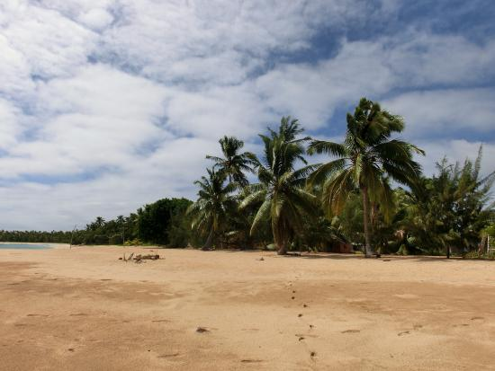 Uoleva Island, ตองกา: look from the beach to the resort
