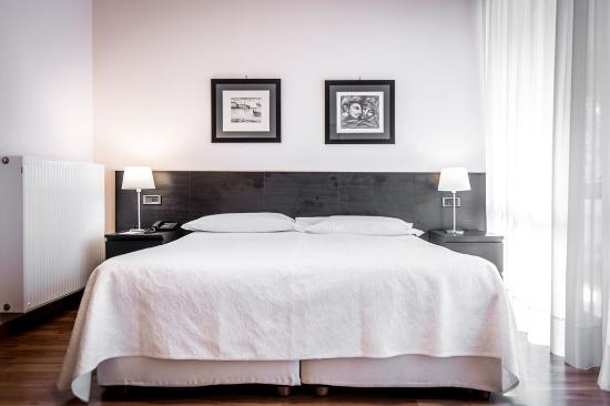 hotel astor genua itali foto 39 s reviews en prijsvergelijking tripadvisor. Black Bedroom Furniture Sets. Home Design Ideas