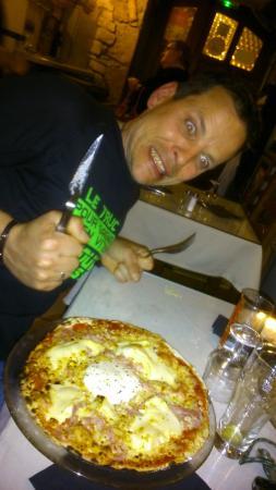 Baume Les Dames, Francja: Pizza Franc-Comtoise