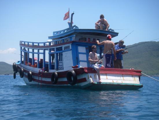 Bamboo Raft Travel