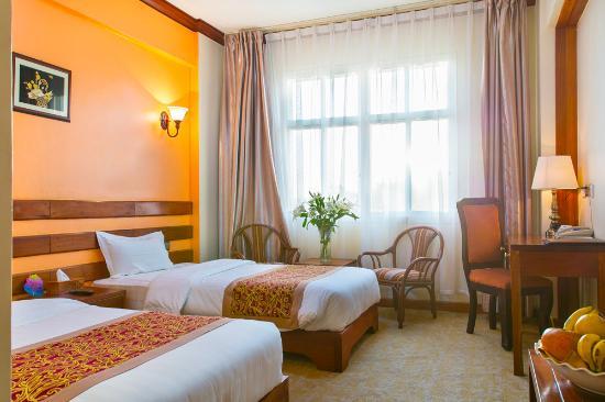 Eastland Hotel Image